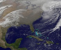 Two Low Pressure Systems Merge Together and form a Giant Nor'easter - various sizes