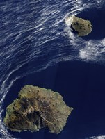 Satellite view of the Prince Edward Islands - various sizes