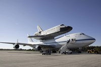 Space Shuttle Endeavour Mounted on a Boeing 747 - various sizes