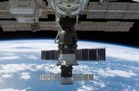 Soyuz 14 and Progress 26 - various sizes