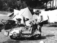 Jeune Couple en Camping, 1960 Fine Art Print