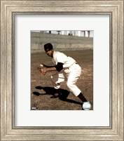 Ernie Banks - Fielding, posed Fine Art Print