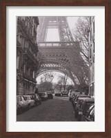 Street View of La Tour Eiffel Fine Art Print