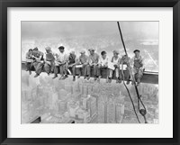New York Construction Workers Lunching on a Crossbeam, 1932 Fine Art Print