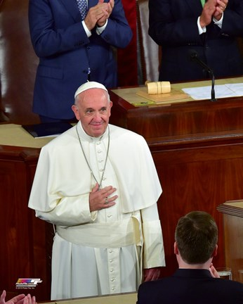 Framed Pope Francis arrives to address the joint session of Congress on September 24, 2015 in Washington, DC Print