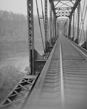 Framed VIEW NORTHEAST SHOWING CONNECTION OF VERTICALS AND BOTTOM CHORD, WEST SPAN. - Joshua Falls Bridge, Spanning James River at CSX R Print
